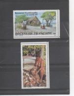 POLYNESIE Française -   Le Coprah (albumen Séché De La Noix De Coco) - Cocotier - Polynésienne Décortiquant Des Noix, - Polynésie Française