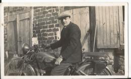 Photo - Homme à Moto - à Identifier - Automobiles