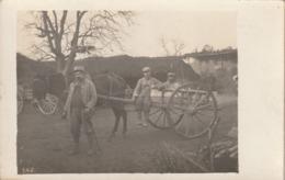Très Rare Cpa-photo Groupe De Soldats Avec Charette Dans Un Camp Dans L'Argonne - 1914-18