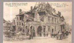 CPA Peronne (80) L'Hôtel De Ville Et Le Musée Les Ruines De La Grande Guerre - Peronne