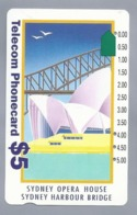 AU.- Telecom Phonecard $5. SYDNEY OPERA HOUSE. SYDNEY HARBOUR BRIDGE. AUSTRALIA. 0027568874 - Télécartes