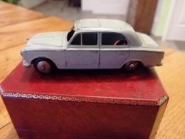 Dinky Toys Peugeot 403 24b - Toy Memorabilia