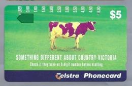 AU.- Telelecom Phonecard $5. SOMETHING DIFFERENT ABOUT COUNTRY VICTORIA. Australia. AUSTRALIË. Koe. 0118712911. - Kühe