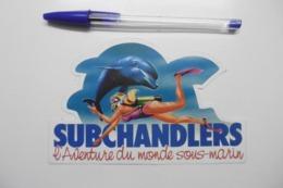 Autocollants Stickers - SUBCHANDLERS L'Avznture Du Monde Sous-marin - Plongée Avec Dauphin - Autocollants