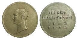 05341 TURCHIA TURKEY MEDAL COMMEMORATIVE Mustafa Kemal Atatürk Turkiye Cumhuriyeti 1923 1933 - Jetons En Medailles