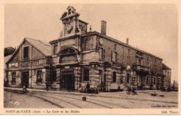 CPA 01 AIN - PONT-DE-VAUX  -  La  GARE  Et Les  HALLES - Pont-de-Vaux