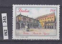 ITALIA   1987Piazze D'Italia L. 700 Nuovo - 6. 1946-.. República