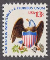 USA 1975. Scott 1596. Eagle And  Shield. Perf. 11.2. Neuf, MNH - Neufs