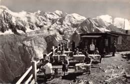 74 - CHAMONIX-MONT-BLANC - La Terrasse, Le Mont-Blanc Et Le Glacier Des Bossons - Chamonix-Mont-Blanc