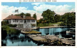 BOAT HOUSE BRONX PARK NEW YORK - Bronx