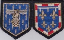 2 Ecussons Gendarmerie : Commandement Des Ecoles De La Gendarmerie  Et Légion Centre - Police