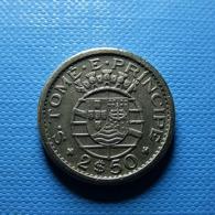 Portuguese S. Tomé E Príncipe 2 1/2 Escudos 1962 - Portugal