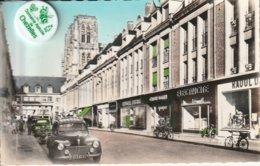 80 - Très Belle Carte Postale Semi Moderne Dentelée De  ABBEVILLE    Rue Saint Vulfran - Abbeville