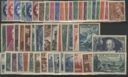 1938 ANNEE COMPLETE ** (MNH). Cote 750 €. 52 Timbres N° 372 à 418. Dont Le N°398 Ader Cotant 180 € à Lui Tout Seul. TB. - France