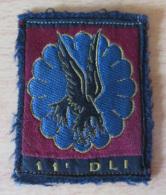 France - Ecusson Militaire En Tissu - 11e DLI (Division Légère D'Intervention) - Parachutistes - 5,5 X 7 Cm Environ - Patches