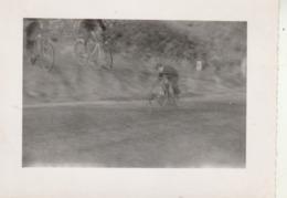 SAINT PERAY - Ardèche : Cycliste à La Montée Du Pin - 1953 - ( Format 10,7cm X 8cm ) - Ciclismo