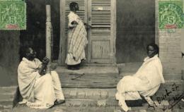 MADAGASCAR. Tananarive- Joueur De Valiha Et Danseuse - Madagascar