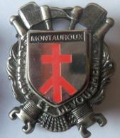 INSIGNE SAPEURS POMPIERS  MONTAUROUX(1er MODELE) - Pompiers
