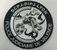 Ecusson Noir Et Blanc DCPJ - DIPJ De LYON - Police Judiciaire Antenne VALENCE (Nouveau, Très Rare) - Police