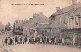 TOUR EN BESSIN - LA MAIRIE ET L'ÉCOLE ~ A VINTAGE POSTCARD #98101 - France