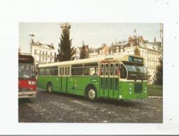 BUS URBAIN TYPE BROSSEL SERIE 300 VUE PRISE PLACE DU GENERAL DE GAULLE A LILLE EN DECEMBRE 1982 (19187) - Lille