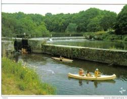 Carte Postale  29.  Chateau-Neuf-du-Faou  Navigation En Canoë Cayak à L'écluse De Bizernic  Canal De Nantes à Brest - Châteauneuf-du-Faou