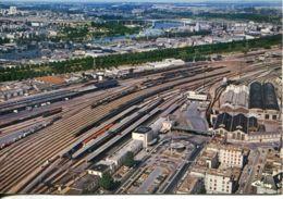 N°77480 GF -cpsm Caen -place De La Gare Sncf, Le Port De Commerce ... - Caen