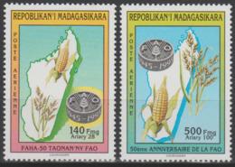 Madagascar Madagaskar 1995 Mi. 1792 1793 50th Anniversary 50e Anniversaire FAO WFO Mais Map Karte Carte - Against Starve