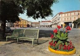 Cartolina Moncalvo Monferrato Piazza Carlo Alberto 1978 - Asti