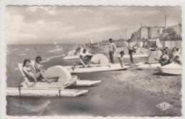 BRAY DUNES LA PLAGE ET LES PEDALOS EN 1966 - Bray-Dunes