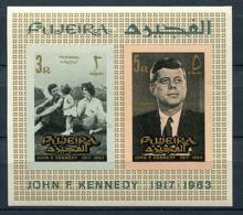 (B 16) Fujeira ** Bloc Michel N° 1 B - J.F. Kennedy En Famille - Fudschaira