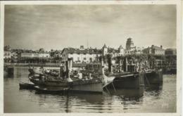 St - Saint Jean De Luz (64) - CPA - La Douce France - 53 - Cote Basque - Le Port Avec Plusieurs Bateaux, Chalutiers - Saint Jean De Luz