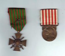 CROIX De Guerre 1914 - 18 - Avec Citation 1 ètoile Et Mèdaille De La Grande Guerre 14 - 18 - France