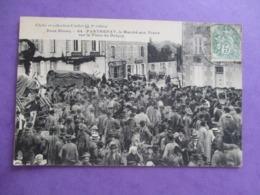 CPA 79 PARTHENAY LE MARCHE AUX VEAUX PLACE DU DONJON FOULE - Parthenay