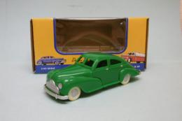 American Dimestore - VOITURE PLASTIQUE SEDAN Vert Jouet Vintage 30084 Neuf 1/43 - HotWheels