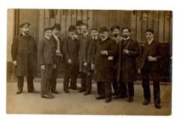 CARTE PHOTO - Groupe D'Hommes En Chapeaux Melons - Cartoline