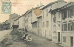 69 -  BESSENAY -  ENTREE DU VILLAGE PAR LA ROUTE DE BRULLIOLES - Francia
