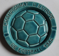 Rare Cendrier Championnat D'Europe De Football 1984 Ateliers De Céramique Ricard - Kleding, Souvenirs & Andere