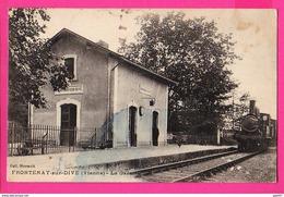 CPA (Ref: Z 2107) FRONTENAY-sur-DIVE (86 VIENNE La Gare Avec Train Et Locomotive - France