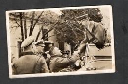 Photo Hoffmann Nr O28 Kanzler In Der Ostmark 1938, Leonding, Begrüßung Eines Alten Kameraden! - Briefe U. Dokumente