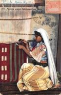 Thème  Métiers . Tapisserie.Tannerie. Soie  Femme Arabe Fabricant Des Tapis  Tunisie      (voir Scan) - Artisanat