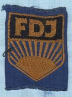 DDR / GDR / Patch Abzeichen Parche Ecusson / East Germany. FDJ. Free German Youth Union. Komsomol. The Communists. - Ecussons Tissu
