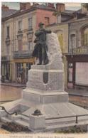 72. SABLE SUR SARTHE. CPA COLORISÉE . MONUMENT AUX MORTS DE LA GUERRE - Sable Sur Sarthe