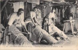 Thème  Métiers . Tapisserie.Tannerie.  37  Château Renault .  Echarnage  Des Peaux      (voir Scan) - Artisanat