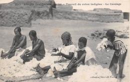 Thème  Métiers . Tapisserie.Tannerie.   Afrique. Sénégal    Dakar  Cardage Du Coton         (voir Scan) - Artisanat