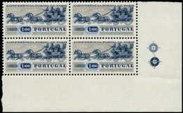 ** PORTUGAL - Poste - 919, Bloc De 4, Fort Déplacement Du Bleu Foncé Formant Double Impression: Conférence Paris, Chevau - Non Classés