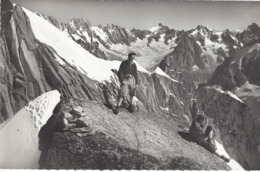 74 CHAMONIX MONT BLANC ALPINISTES ARRETE MIDI PLAN LES DROITES LES COURTES LA POINTE ISABELLE AIGUILLE DES LESCHAUX - Alpinismus, Bergsteigen
