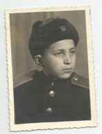 Boy With Uniform Pose For Photo A368-253 - Personnes Anonymes