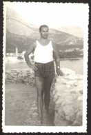 Handsome Trunk Man On Beach Gay Int Old Photo 9x14 Cm #29275 - Personnes Anonymes