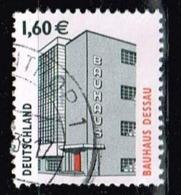 Bund 2002,Michel# 2302 R O Sehenswürdigkeiten: Bauhaus Dessau Mit Nr. 305 - Roller Precancels